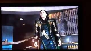 Avengers - Ich bin ein Gott du stumpfe Kreatur!