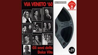 Federico Fellini sul set del film La Dolce Vita