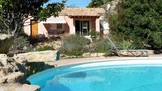 Vakantiehuis in Villedieu met gedeeld zwembad en tennisbaan, Provence. Villa bij Vaison-la-Romaine.
