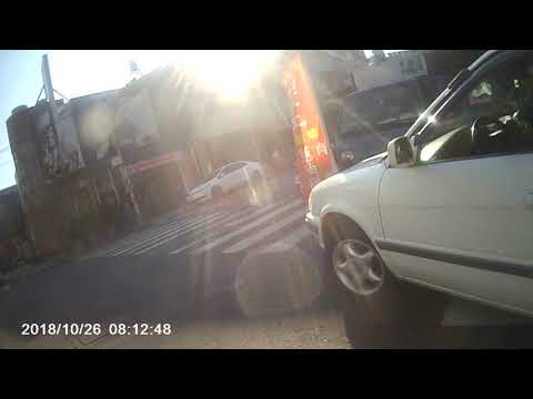 ACY 8131 路口斑馬線停車+駕駛座無人狀態