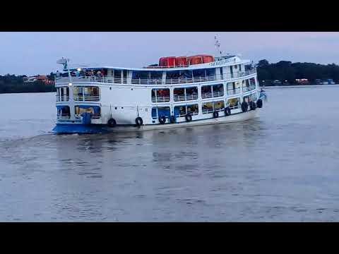 Navio São Bartolomeu saindo de Santana para Santarém