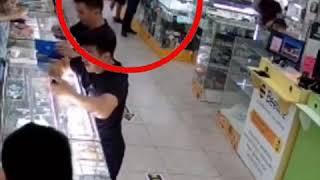В ЦУМе Бишкека продавец телефонов убил недовольного покупателя