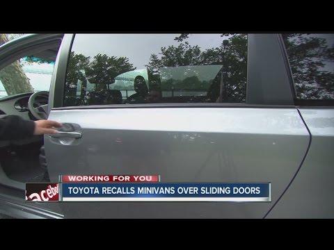 Toyota recalls minivans