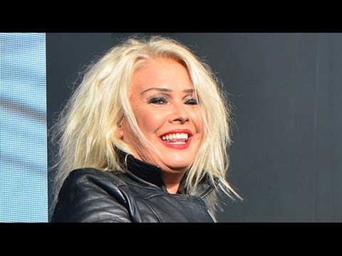"Kim Wilde's excellent performance of Erasure's ""A Little Respect"" at Let's Rock Bristol 2014"
