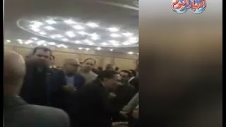 أخبار اليوم   عادل امام من داخل عزاء الراحل محمود عبد العزيز
