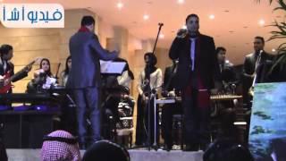 وصلة غنائية  اللى بنى مصر كان فى الأصل حلوانى لفرقة الرواد بشرم الشيخ