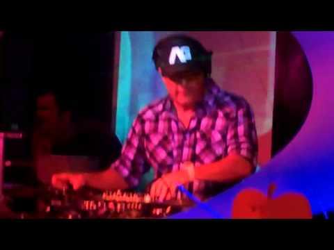DJ ICEY live ELECTRO BREAKBEAT