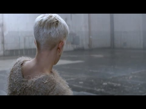 Robyn 'Call Your Girlfriend' Official Video