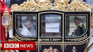 Queen leaves Buckingham Palace - BBC News