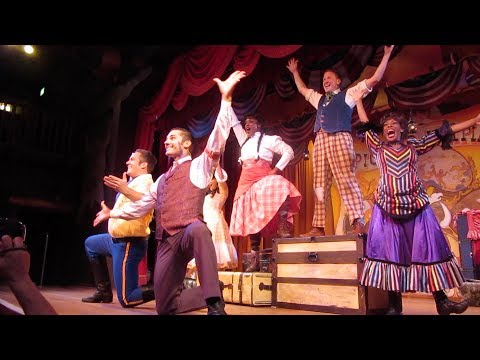Hoop Dee Doo Musical Revue | Full Show & Fried Chicken!