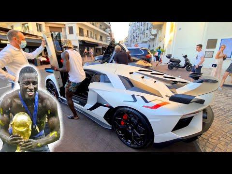 Benjamin Mendy et sa Lamborghini Aventador SVJ ! Carspotting à Cannes !