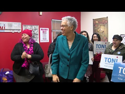 City Of Chicago Elects Its First African-American Mayor