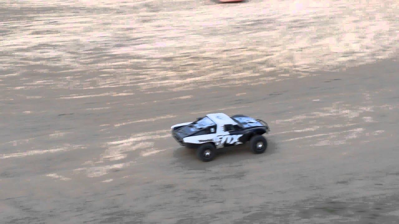 Racing with my brand next traxxas slash 4x4 Fox Edition ...