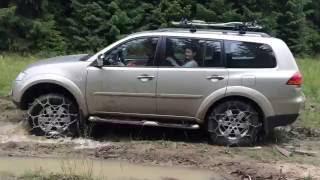 Offroad/Snow Chains on Mitsubishi Pajero Sport Test Drive