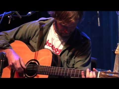 "Neil Halstead - ""Tied To You"" (eTown webisode #365)"