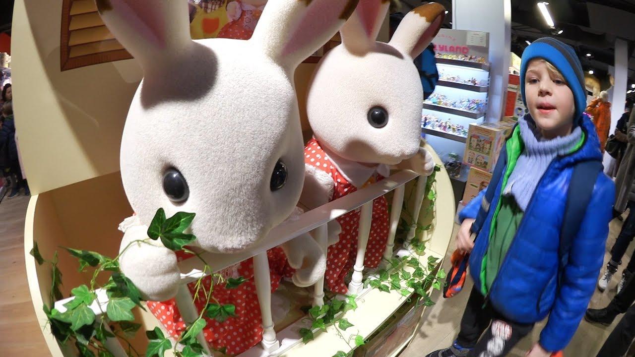 Новый год в Цюрихе! Огромный магазин игрушек.  Самый дорогой отдых в Швейцарии. Джордж в ресторане