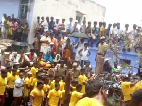 2008 - Pallavarayan Patti Jallikattu Crowd - Near Vaadi Vaasal - Video 3 Travel Video