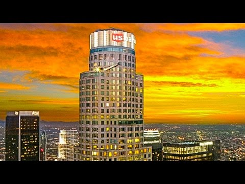 Us Bank Slide >> The Oue Skyspace And Skyslide Us Bank Building Los Angeles Youtube