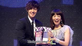 121217 KimHyunjoong fancam-scenes of winning a prize@Yahoo Buzz Awards
