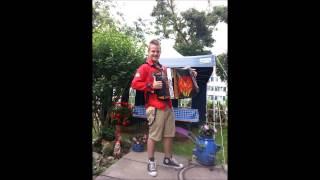 Swen, eine Kostprobe auf seiner steirischen Harmonika