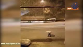 فيديو .. تساقط الثلوج بغزارة في مدينة وادي زم