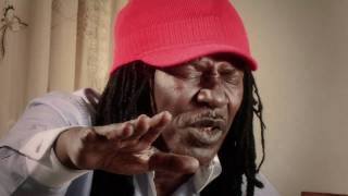 Alpha Blondy - Rasta Bourgeois [CLIP OFFICIEL]