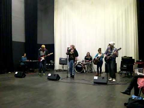 Siobhan and band @ college 'Respect' Cover