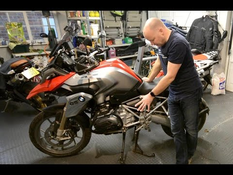 Fitting the Go Gravel footstand enlarger to the BMW R1200 GS