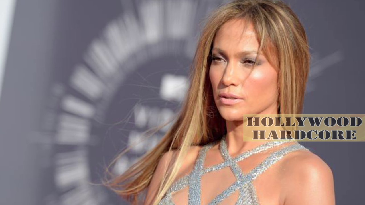 Jennifer Lopez Wardrobe Malfunction Nip Slip Danger Youtube