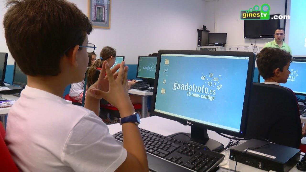 Los niños y niñas de Gines aprenden informática en un taller gratuito