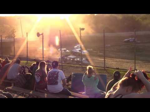 Hummingbird Speedway (6-3-17): Swanson Heavy Duty Truck Repair Semi-Late Model Heat Race #2