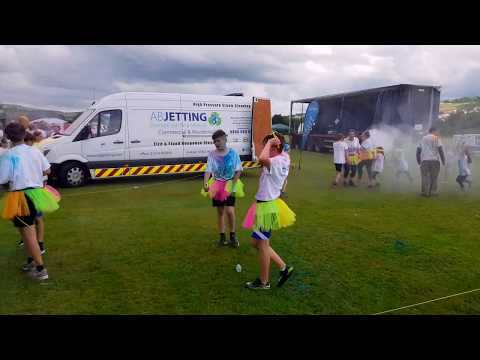 The Manorlands Paint rush and family funday 2017 (abjetting.com) 01274 947000