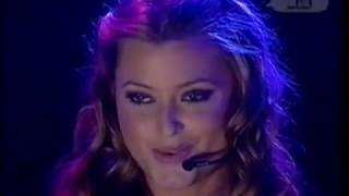 Holly Valance - Kiss Kiss (Live MTV 5 Night Stand 2002)