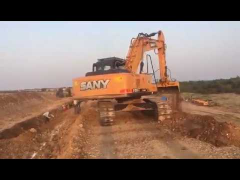 Hydraulic Excavator Working for Road Building | Sany SY220
