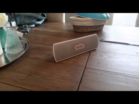 "You get what you pay for, Funny fake ""Beats"" bluetooth speakers"
