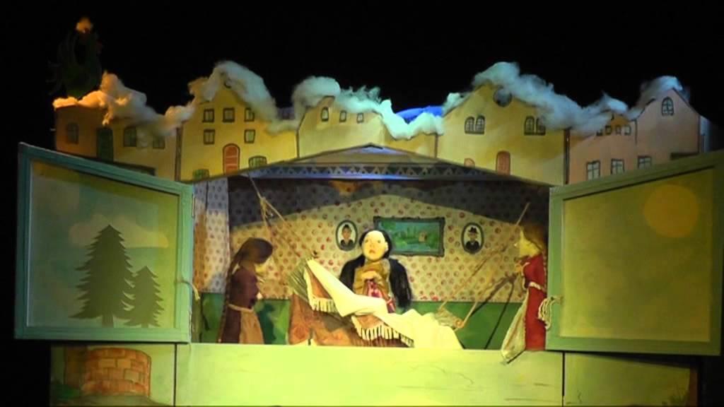 Frau Holle - Dresdner Figurentheater