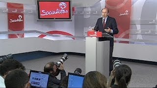 Spain: Socialist leader quits after party