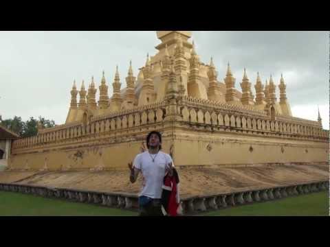حجاجوفيتش يسجد شكراً لله في معبد بوذا | Haggagovic in Laos