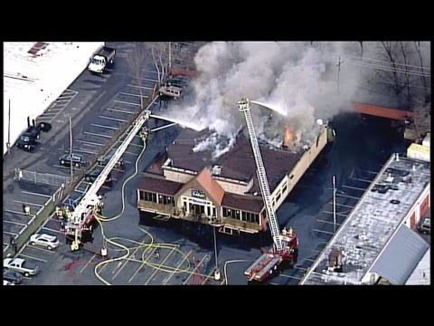 Fire At Lakes Grille In Clarkston