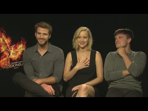 Mockingjay Part 2: Jennifer Lawrence, Liam Hemsworth and Josh Hutcherson play Real or Not Real