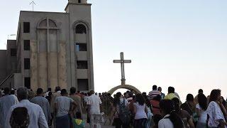 صور وفيديو.. آلاف المسيحيين والمسلمين يحتفلون بذكرى العائلة المقدسة في «درنكة»