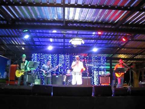 เพ็ชร์บุรี Band;ฝรั่งร้องเพลงไทย แจมๆ รักเดียว