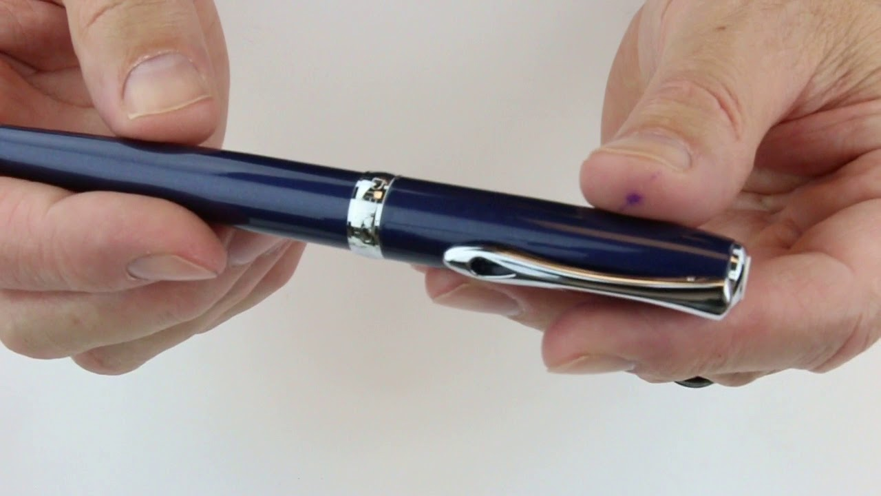 Diplomat Excellence A2 Trim Fountain Pen with Steel Extra Fine Nib Black Lacquer//Gold