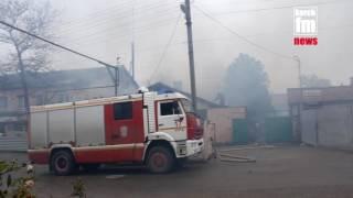 В Керчи горит мастерская по изготовлению памятников(, 2016-12-09T11:03:26.000Z)