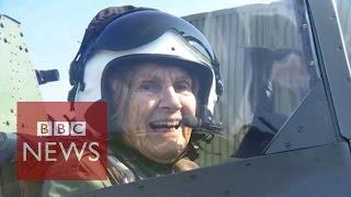 92-year-old WW2 veteran flies Spitfire again - BBC News