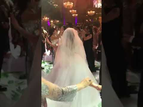 ლელა წურწუმიას გამოსვლა ბაქოში ქორწილზე რომელსაც ფეისბუქზე მილიონზე მეტი ნახვა აქვს