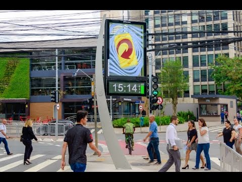 Skol digital advertising clocks | JCDecaux Brazil