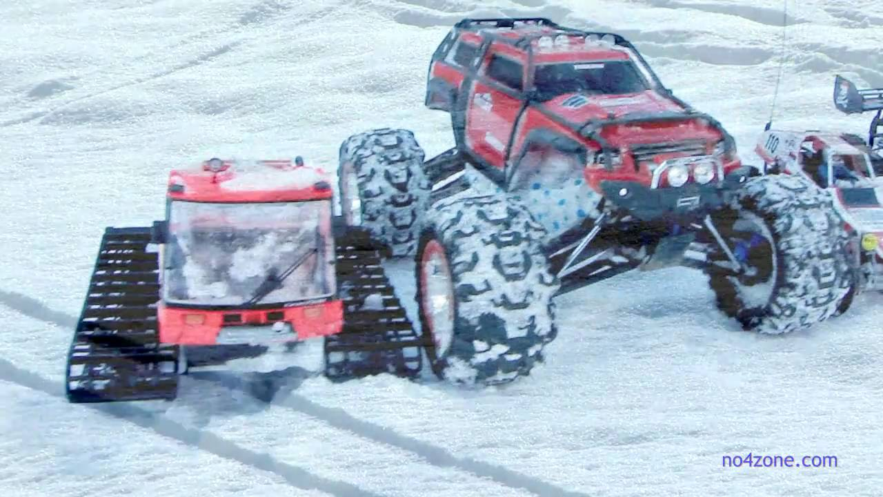 Best Snow Tires >> TRAXXAS SUMMIT, Team Associated - Action in the Snow -- RC-CARS 2011 - YouTube