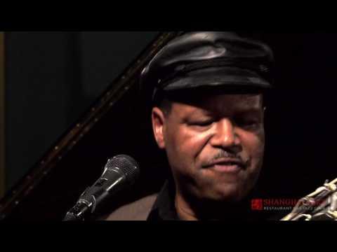 Why I Sing the Blues by B.B. King - SaRon Crenshaw Quartet @ Shanghai Jazz - Madison, NJ