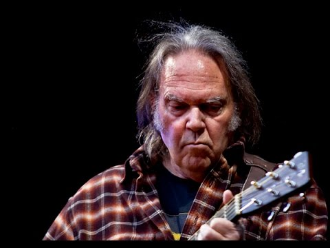 Neil Young: I Support Bernie Sanders, NOT Trump! Mp3